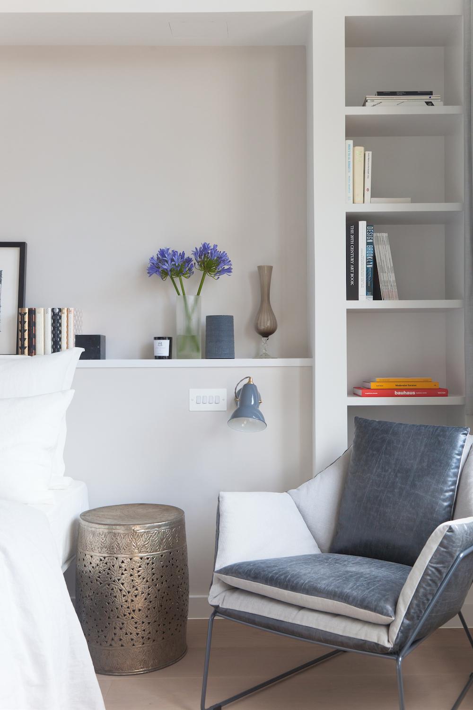 subtle bookshelf